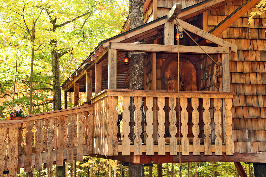 ... tiffany hill treehouse ... & Tiffany Hill Treehouse u2013 A Vacation Rental in Sunapee New Hampshire pezcame.com
